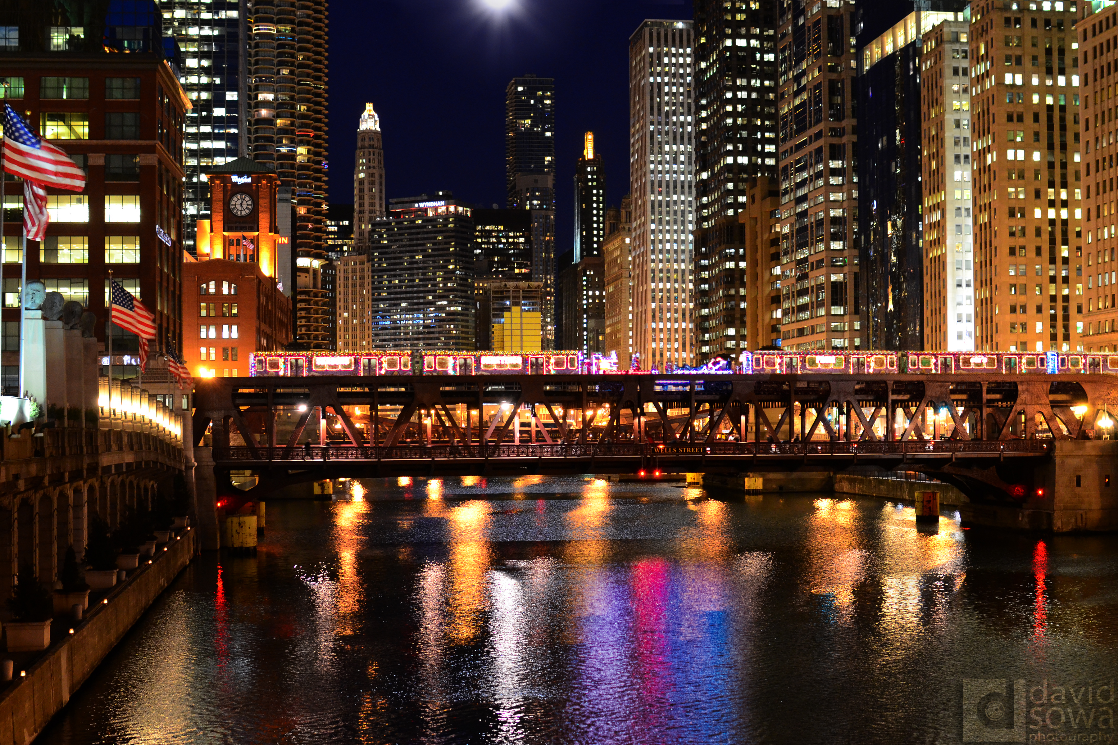 2014 CTA Holiday Train on the Chicago River | David Sowa